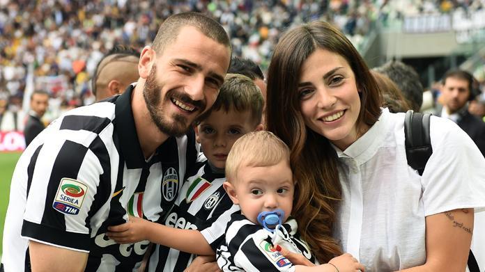 http://www.calcionews24.com/wp-content/uploads/2013/04/martina-maccari-leonardo-bonucci.jpg