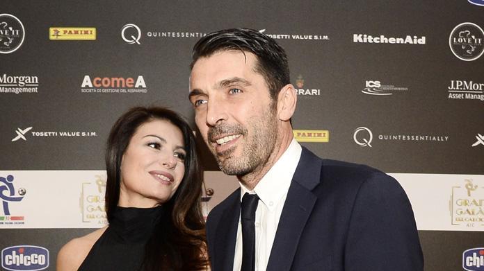 Foto su 'Chi', Buffon e la D'Amico diffidano il periodico