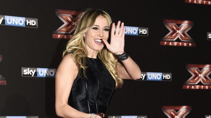 Caterina Balivo, nuova gaffe per la conduttrice che colpisce Ricky Martin…