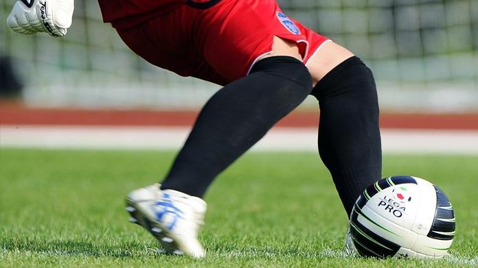 Scandalo nel mondo del calcio giovanile: arrestati due allenatori