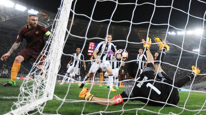 Tifosi Juve aggrediti da ultrà Napoli
