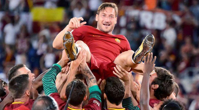 Roma, l'omaggio della Uefa a Totti: «27 anni fa, il resto è