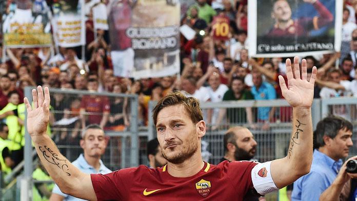 Il Giappone rinuncia a Totti: decisivo il parere di Ilary