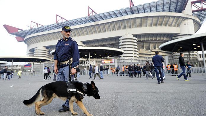 Roma, assalto degli ultrà giallorossi: picchiati e feriti i tifosi del Chelsea