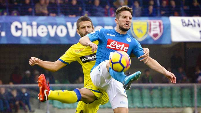 Napoli, ultras devastano locale a Verona: