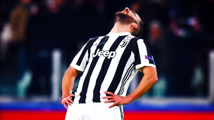 Torino-Juventus, si fa male anche Bernardeschi : le condizioni