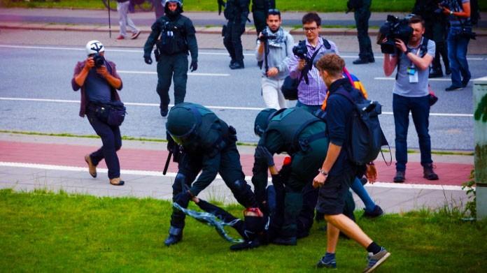 scontri polizia