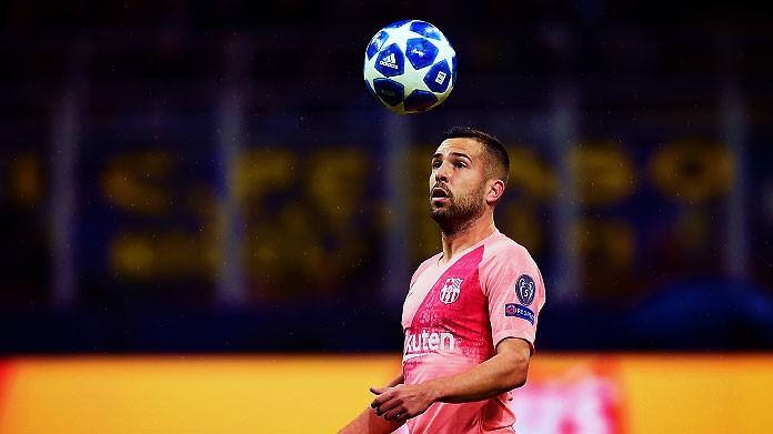 Barcellona, Jordi Alba s'infortuna ed esce in lacrime