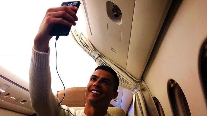 cristiano ronaldo selfie aereo