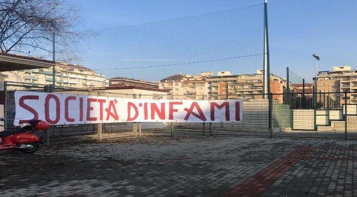 Torino, striscione al Filadelfia: «Società d'infami e allena
