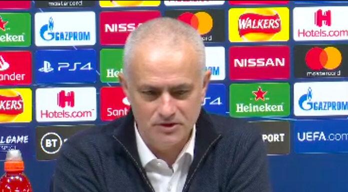 Mourinho al giornalista: «Faremo la foto insieme, in onore di tuo padre» – VIDEO