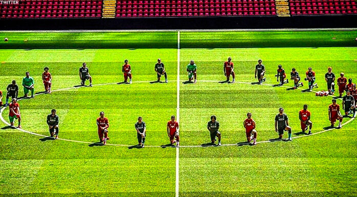 Liverpool, giocatori in ginocchio per George Floyd – FOTO