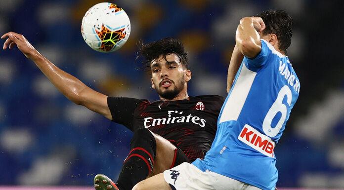 Napoli-Milan, Ibrahimovic infuriato dopo il cambio: scaglia una bottiglietta
