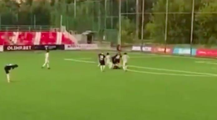 Russia, ex leggenda picchia l'arbitro durante un match di beneficenza
