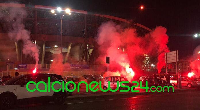 Il tributo a Maradona dei napoletani al San Paolo – VIDEO