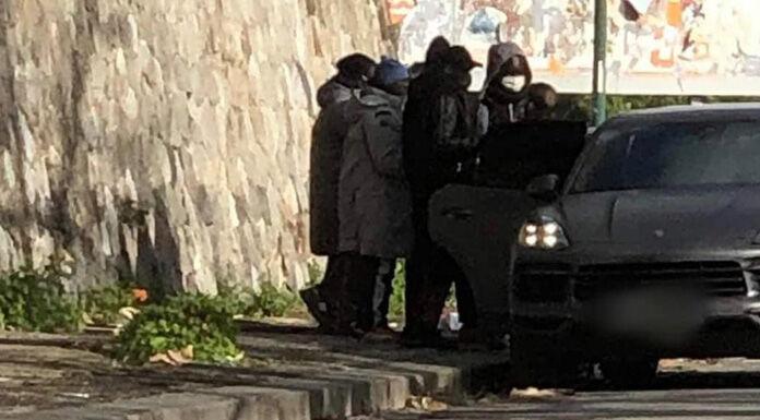 Napoli, il gesto di solidarietà di Koulibaly: regala giacconi ai semafori