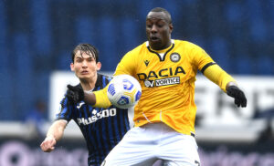 Okaka De Roon MG1 9822 300x182 - Udinese, Okaka: «Brutto prendere 5 gol. Vogliamo finire a sinistra»