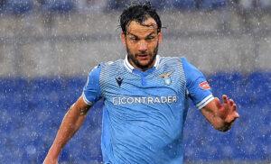 Parolo 300x182 - Parolo saluta la Lazio:«Mi avete fatto innamorare di questa maglia»