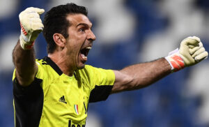Buffon 2 300x182 - Buffon Parma, firmato il contratto: ecco quando verrà annunciato