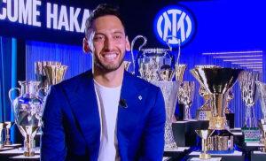 Calhanoglu: «Inter, voglio vincere lo scudetto. Arrivo in un grande club»