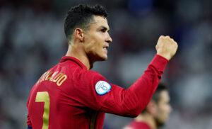 Esultanza Cristiano Ronaldo 1 1 300x182 - Cristiano Ronaldo: «Questo record è mio ed è unico. Ho tanta voglia di continuare»