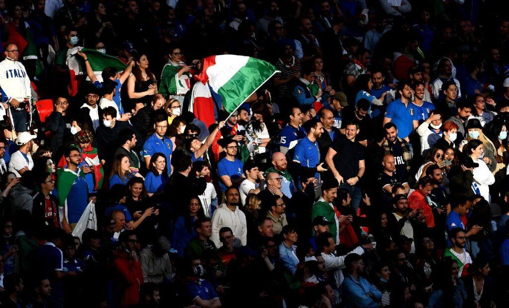 tifosi Italia MG1 7588 1 1024x621 - Ultime Notizie Serie A: boom di ascolti per gli Azzurri, accettato il trust della Salernitana