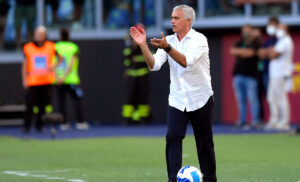 Mourinho 3 300x182 - Formazioni ufficiali Roma Sassuolo: le scelte degli allenatori