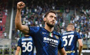 esult gol Calhanoglu MG5 7377 1 300x182 - Inter, Calhanoglu: «Qui per affrontare nuove sfide. Esultanza derby? Farò come sempre…»