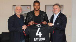 CKBLBZIWIAI0pcC 300x169 - Tah rinnova con il Bayer Leverkusen: il comunicato ufficiale