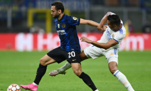 Calhanoglu Casemiro Inter Real Madrid 300x182 - Inter Real Madrid 0-0 LIVE: Courtois salva su Dzeko