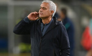 Roma, Mourinho gongola: «Tre punti e un altro giovane…»