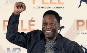 Pelé non molla e scherza: «Dopo questo allenamento potrò tornare al Santos»