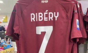 Salernitana, Ribery è già la stella del club