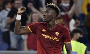 esult gol Abraham AS02297 1 300x182 - Roma, Abraham convocato dall'Inghilterra: non accadeva da un anno