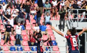 Esultanza Barrow 300x182 - Risultati e classifica Serie A live: Lazio schiantata a Bologna, in campo Verona-Spezia e Samp-Udinese