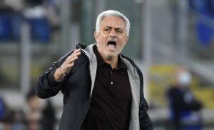 Espulsione Mourinho, il tecnico mandato fuori in Roma Napoli: il motivo