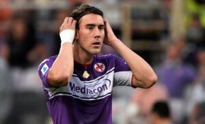 Vlahovic 300x182 - Fiorentina, Adani: «La piazza si dividerà in due sul caso Vlahovic»