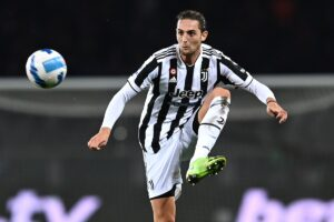 Calciomercato Juventus, due bianconeri nel mirino del Newcastle